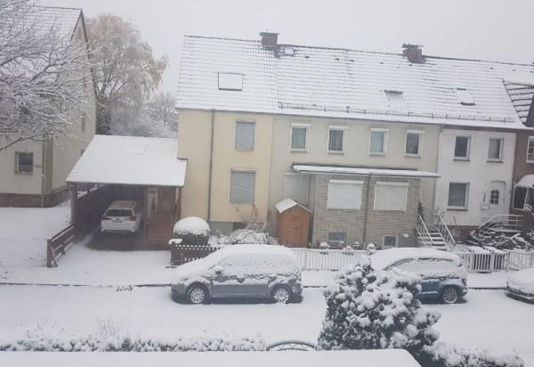 __ снег, зима, двор, машина, авто, дом
