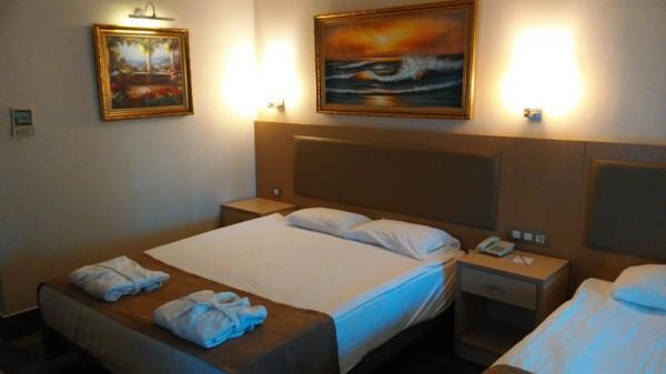 _- кровать, отель, гостиница