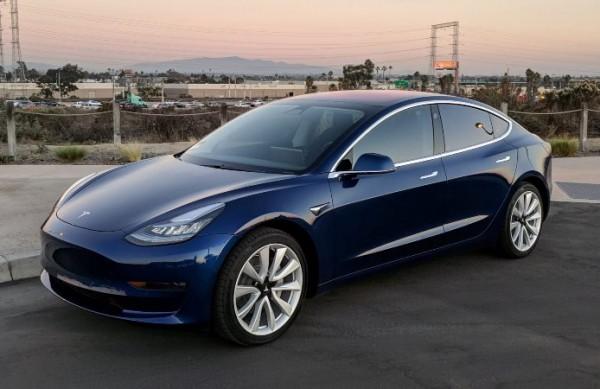 Tesla Model 3, электрокар