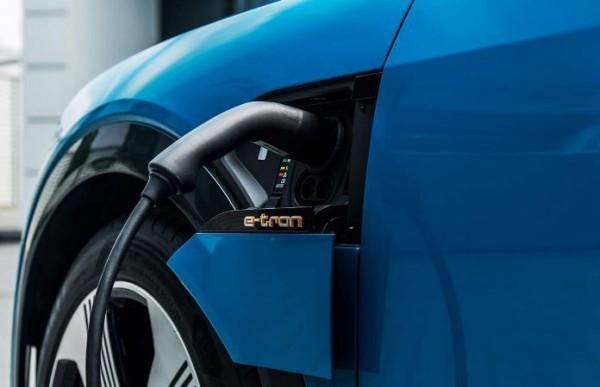 Audi e-tron, зарядка