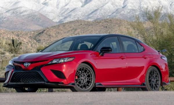 Toyota Camry TRD 2020 года