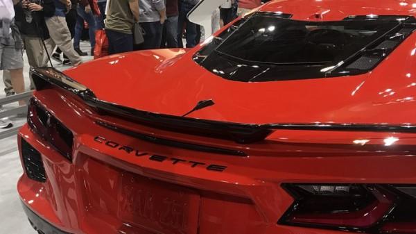 Chevrolet Corvette C8, карбоновая крыша