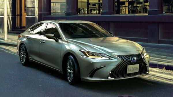 Lexus ES 2021 года