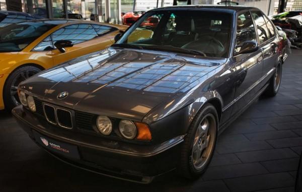 BMW M5 1993 года