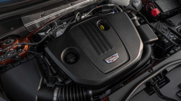 Cadillac XT4 2021 года