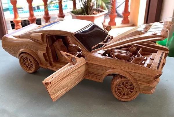Ford Mustang 1967 года, деревянный
