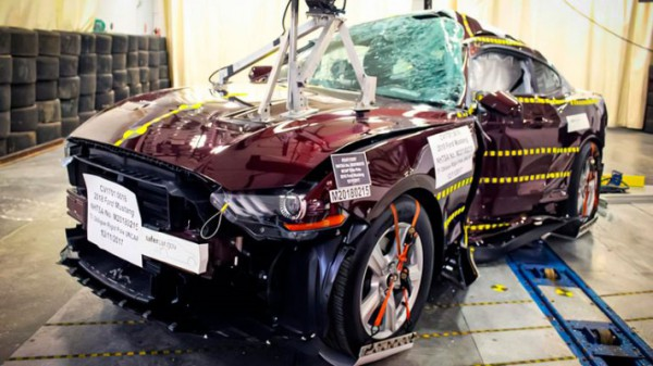 Ford Mustang, после краш-теста
