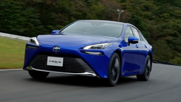 Toyota Mirai, водородный седан