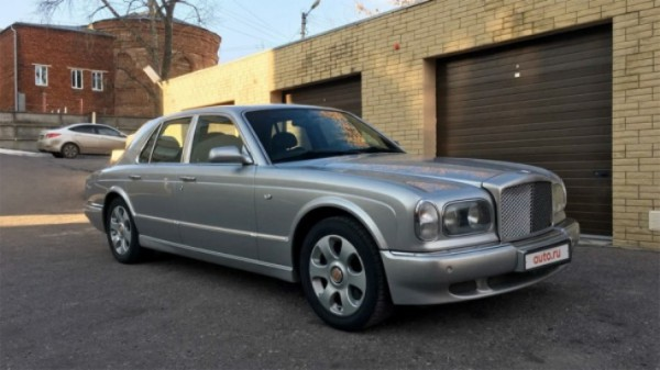 Bentley Arnage 2000 года, седан