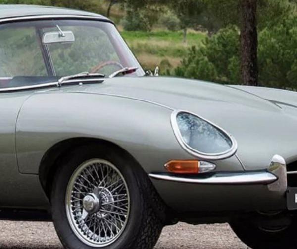 кроссовер Jaguar F-Pace 60-х годов, рендер