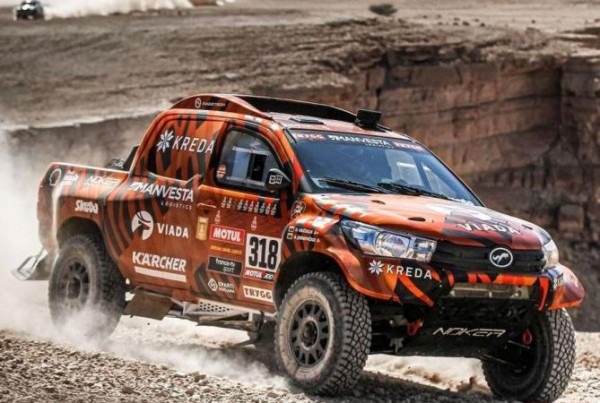 Toyota Hilux, участник Дакар