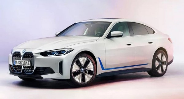 BMW i4, электрический седан