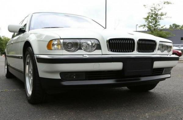 BMW 7-Series E38 2001 года